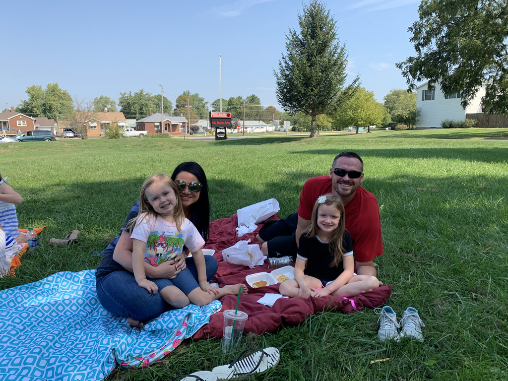 Lunch on the lawn!