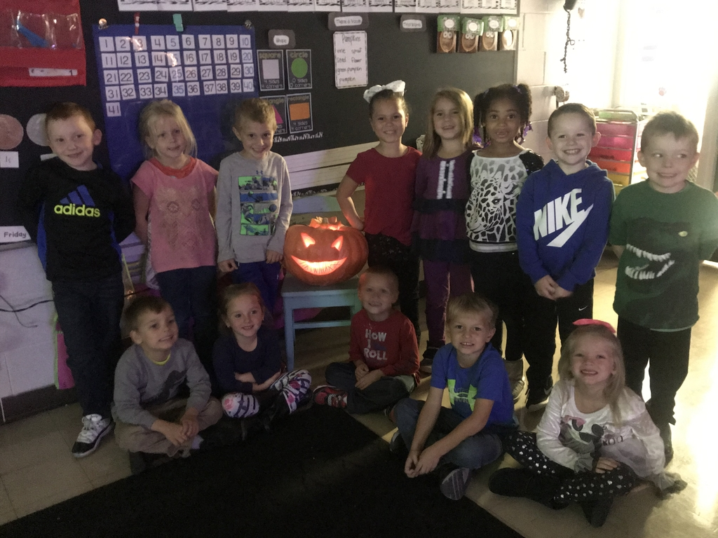 Mrs Pacot's class carved their pumpkin 🎃