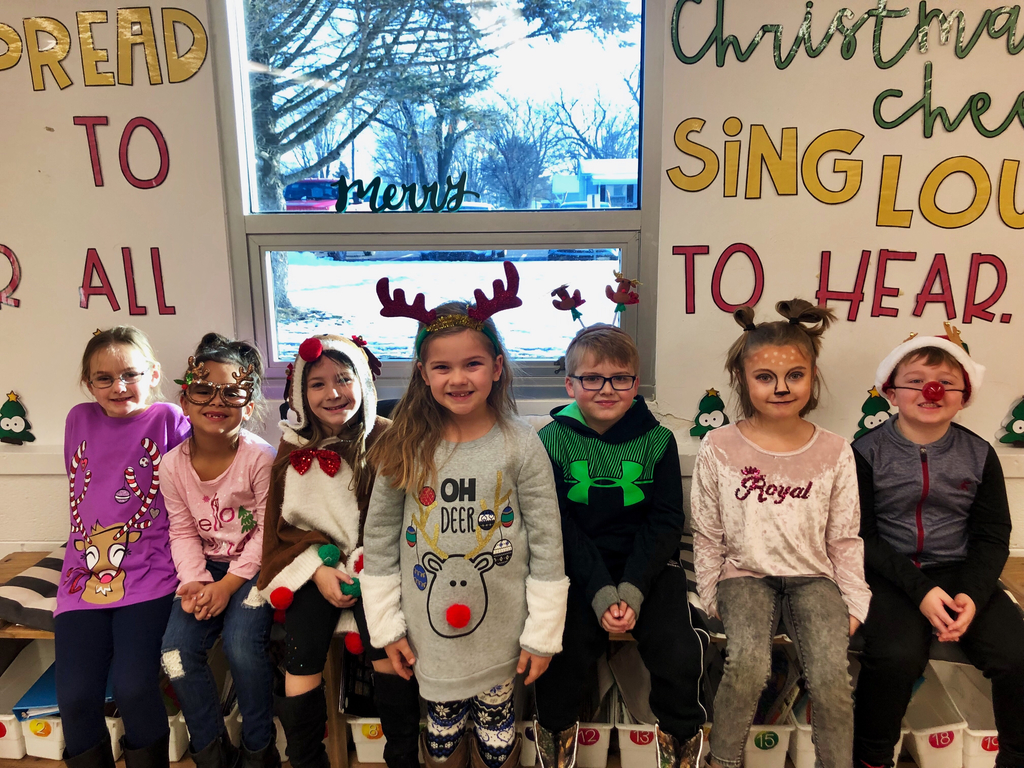 Mrs. Moles has some awfully cute reindeer in first grade today!